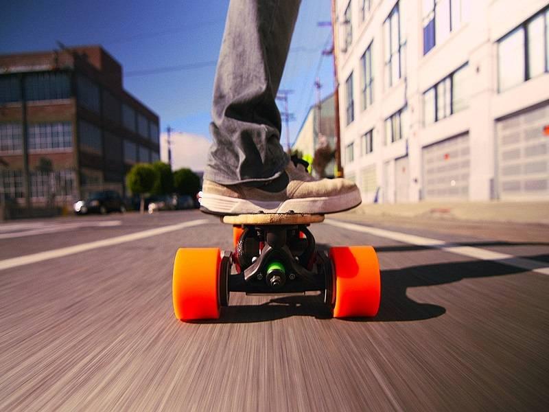 FacePlanet-Electric-Skateboard-Copy.jpg
