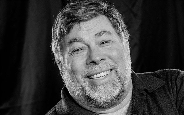 """Apple Co-Founder Steve Wozniak Invested in Bitcoin """"Just for Fun"""""""
