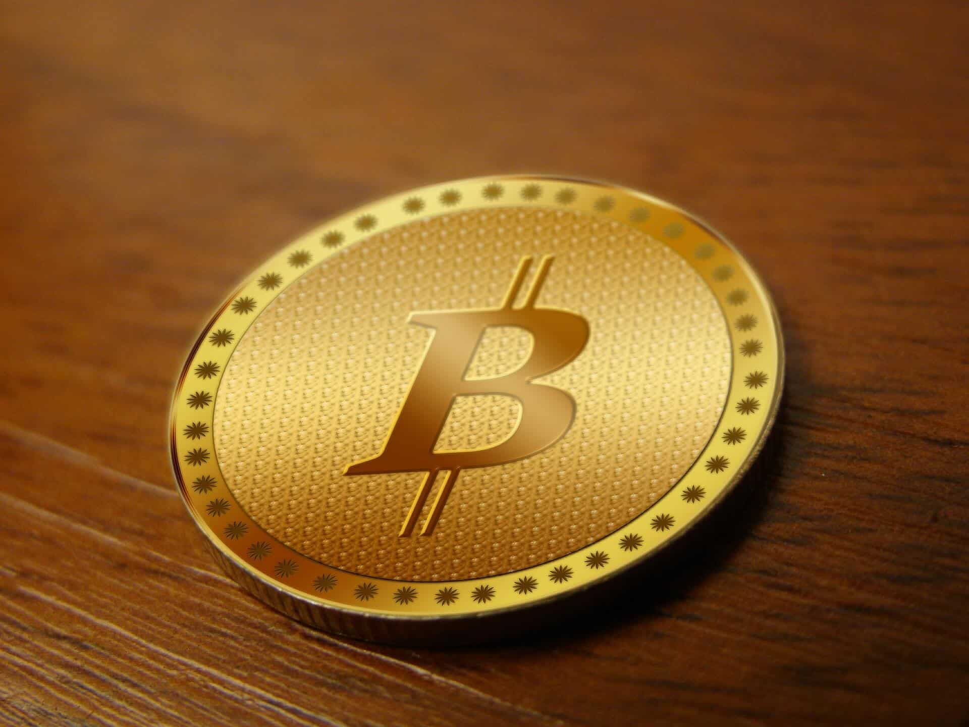 Bitcoin Cracks Further As It Trades Below Psychological Level of $10,000